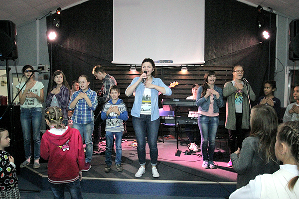 "KIDS' CHURCH ""+1"""